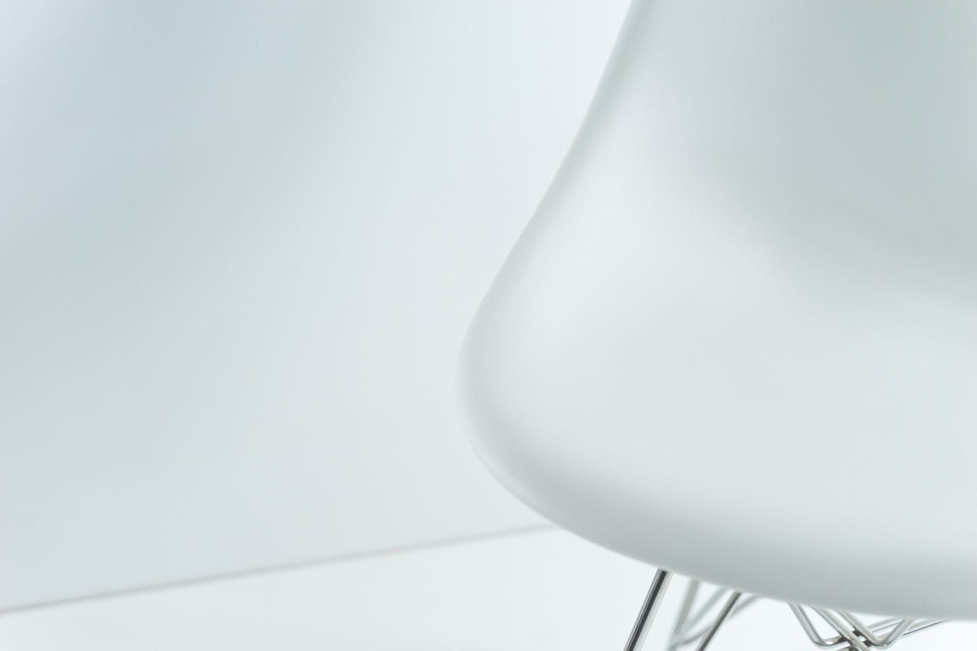 A Review of the Herman Miller Eames Molded Plastic Side Chair on