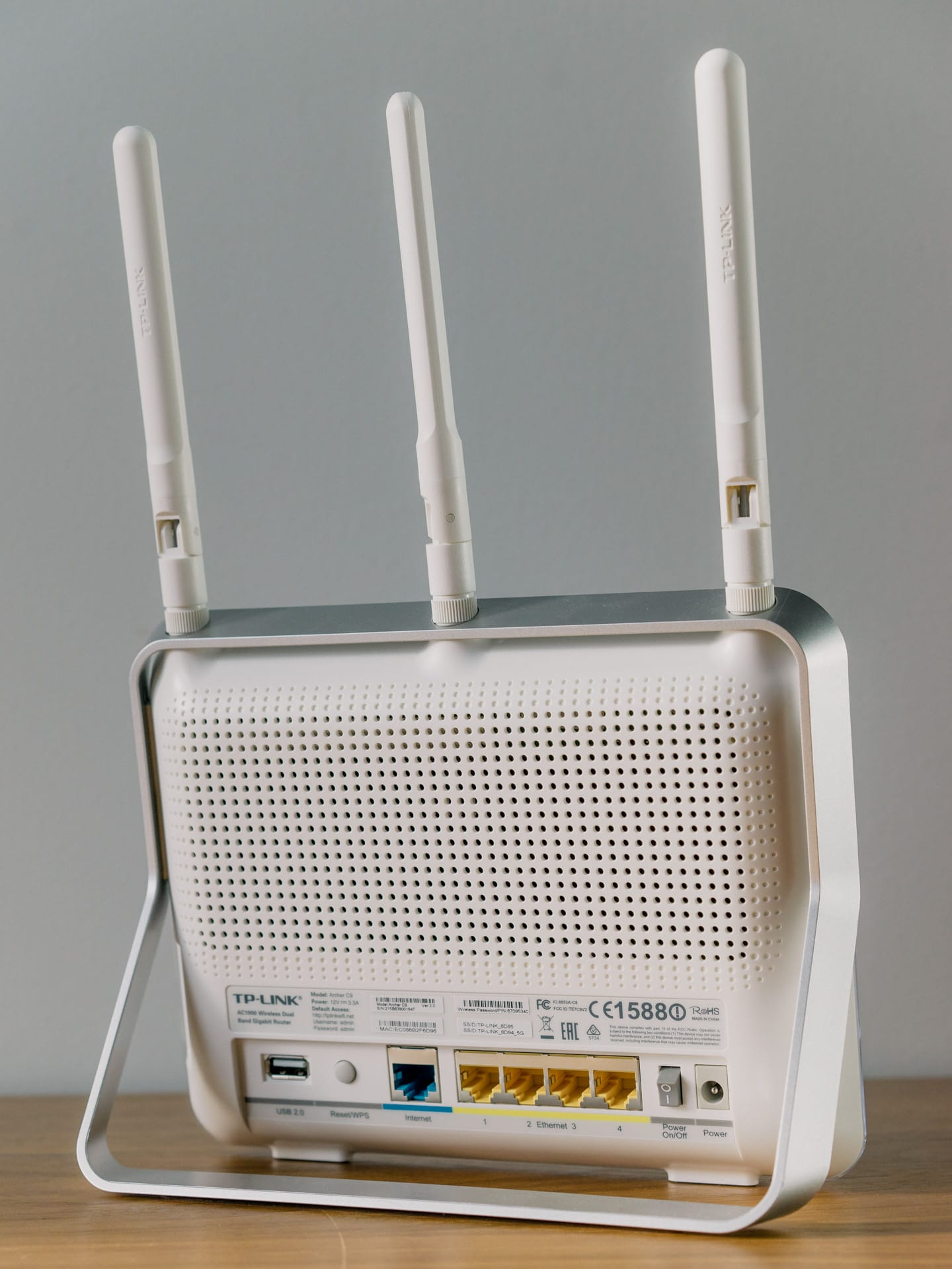 A Look at the TP-Link Archer C9 Router and TP-Link AC1200 WiFi Range ...
